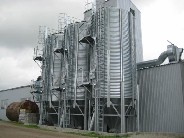 Teraviljakuivatikompleks koos silode ja elevaatorsüsteemiga