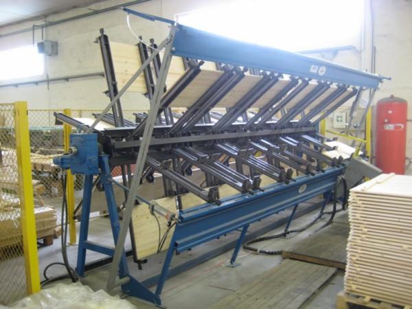 Puidutööstuse karusell-press